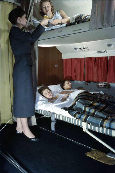 formas en las que viajan los millonarios camas-w636-h600