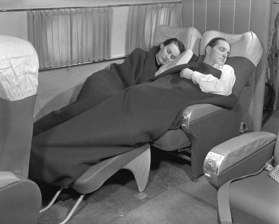 formas en las que viajan los millonarios dormidos-w636-h600