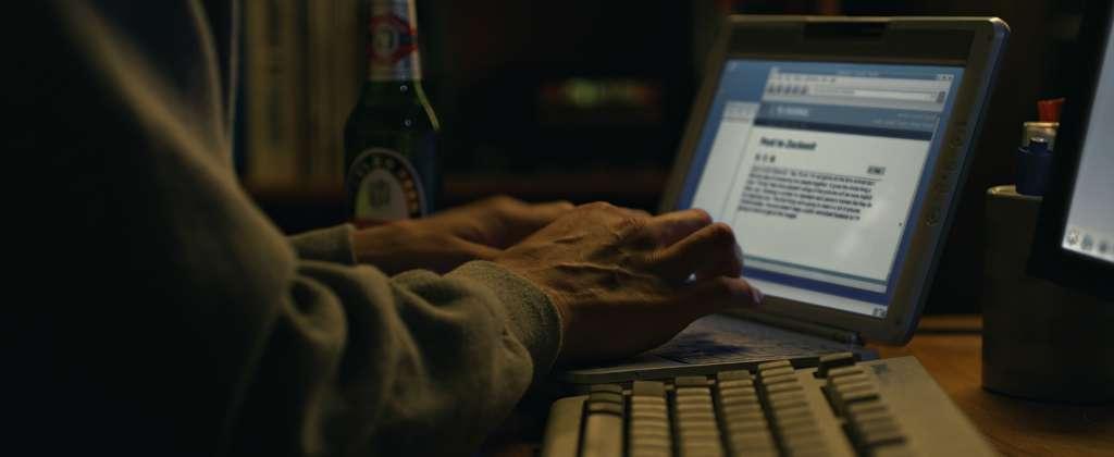 internet phishing scam typing