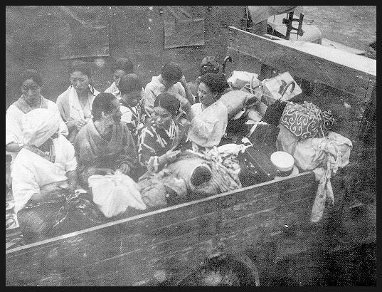 b6442e66c4 Las mujeres que fueron humilladas y utilizadas como consoladores por ...