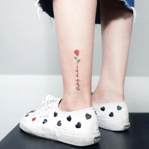 sandalias pequenos tatuajes de rosas