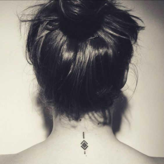 16 Tatuajes Para Identificar A Una Mujer Tímida Diseño Diseño