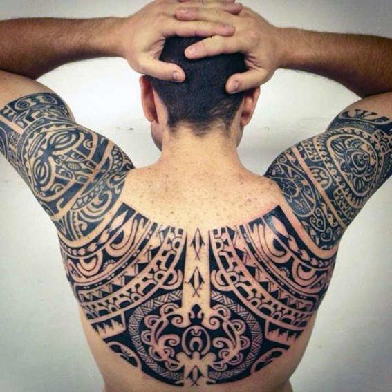 tatuajes maori espalda