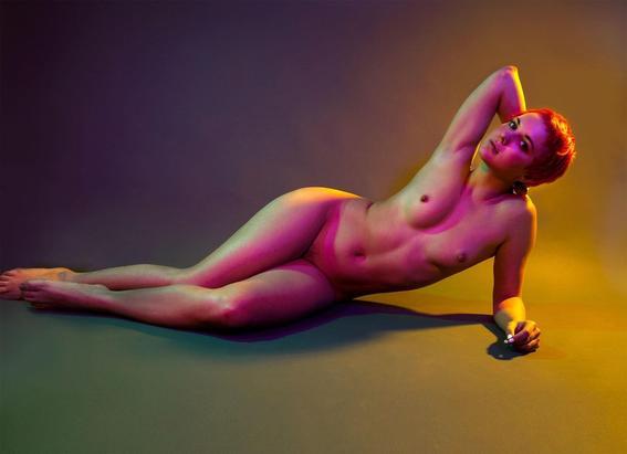 verde Maggie West desnudos neon
