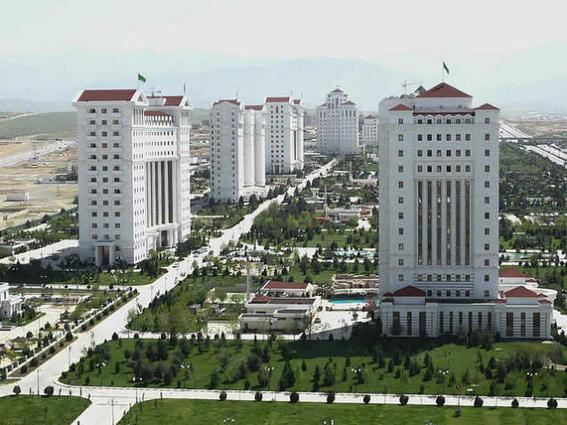 viajar a turkmenistan marmol-w636-h600