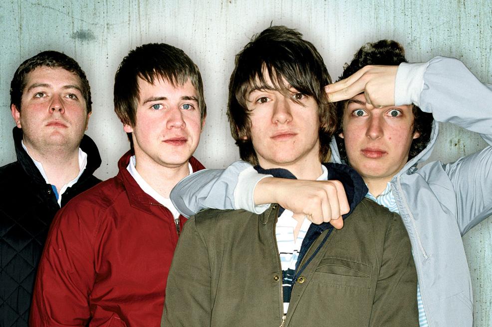 10 canciones de Arctic Monkeys que dedicaste en tu adolescencia