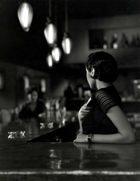 bar mujer