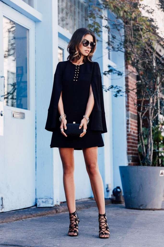 Outfit vestido azul marino medias negras