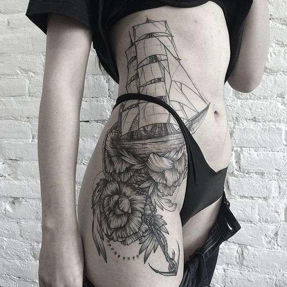flores tatuajes de barcos