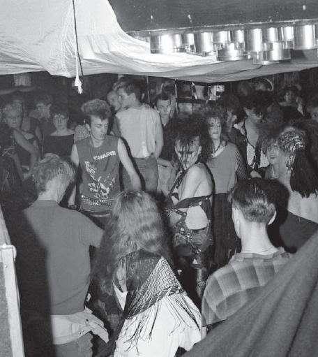 fotografias the batcave club publico
