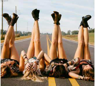 friendship-surviving-adult-life-roadtrip-w636-h600