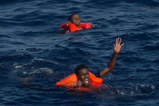 Naufragio en el Mar Mediterráneo deja 34 refugiados muertos, la mayoría niños - Noticias