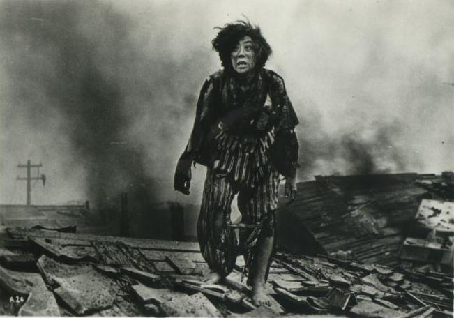 hiroshima despues de la bomba atomica mujer huyendo