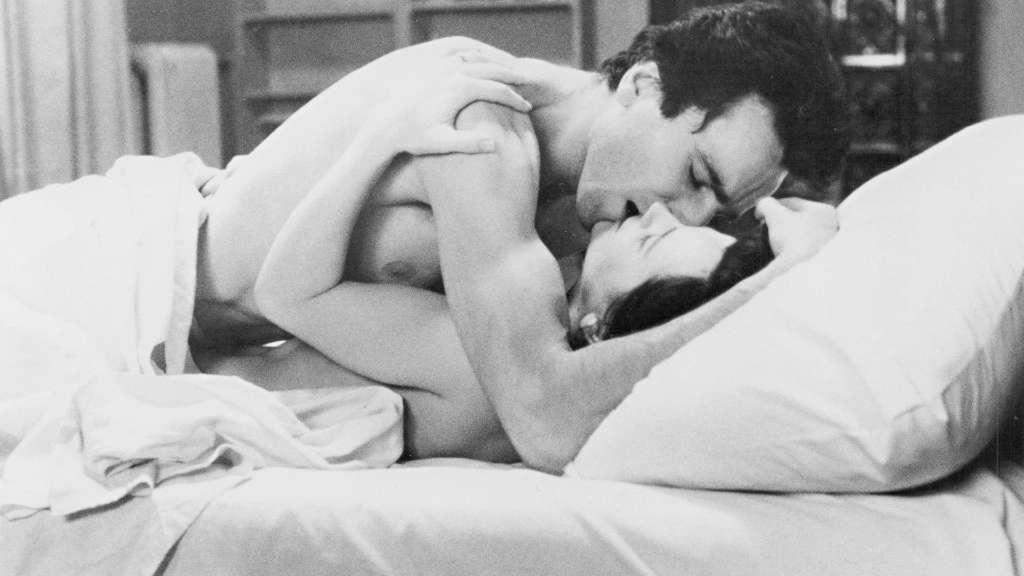 las pleyades foto amantes en cama