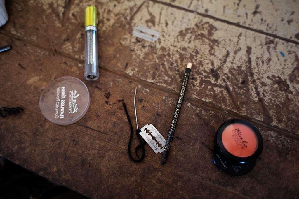 maquillaje transgenero en africa