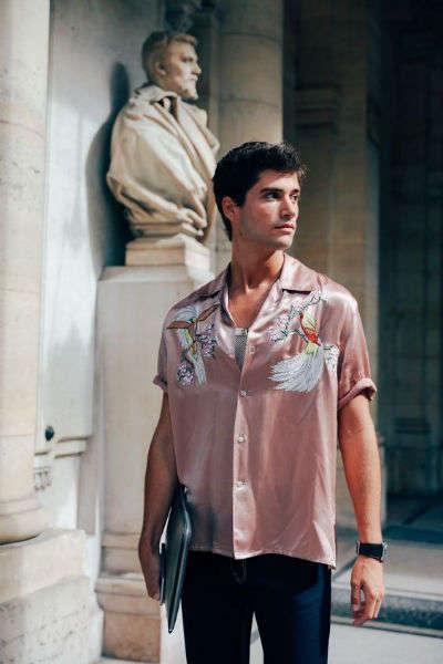 reglas de moda para hombres rosa