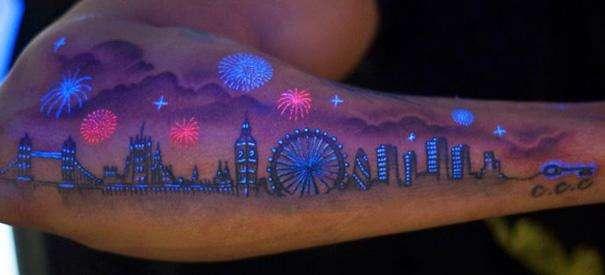 tatuajes en color neon paisaje