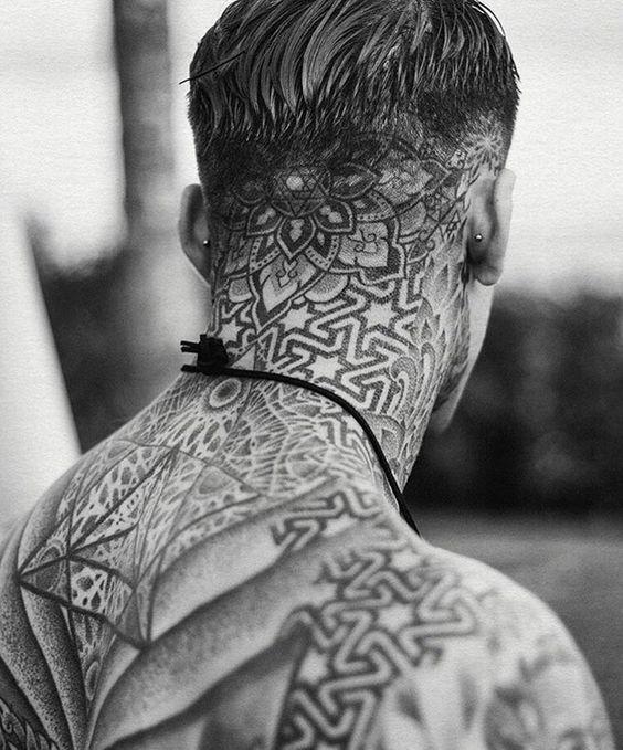 Tatuajes Grandes En El Cuello 20 tatuajes que deseas pero que nunca te atreverás a hacerte