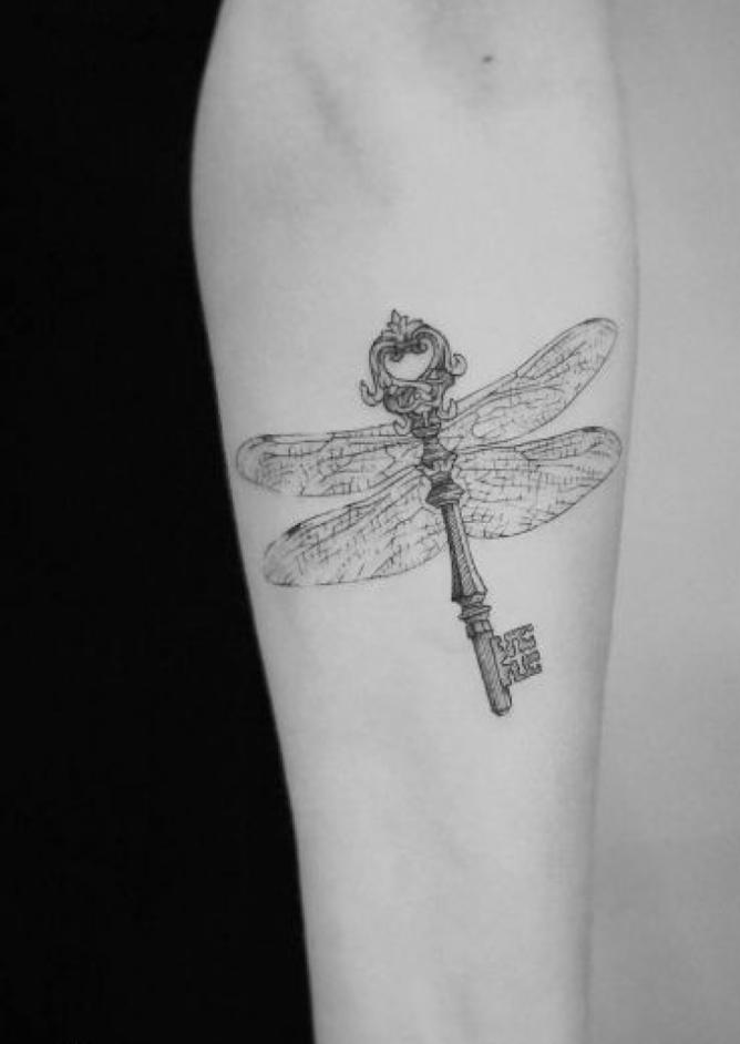 tatuajes para cerrar ciclos libelula