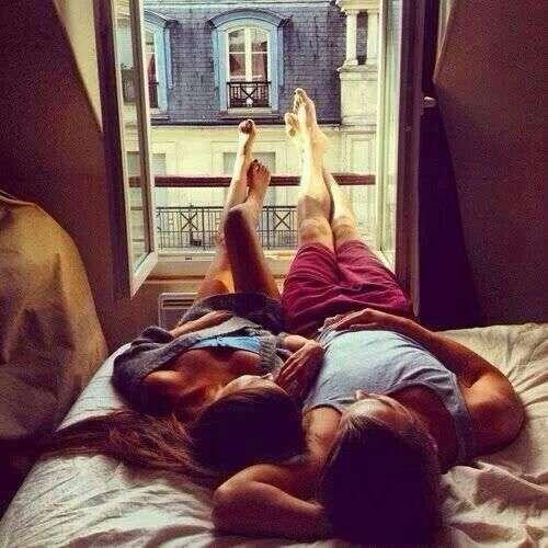 viajar con tu pareja por primera vez hostal