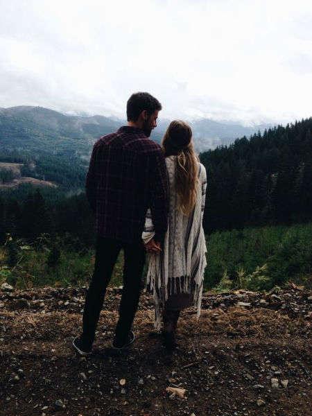 viajes baratos en pareja bosque