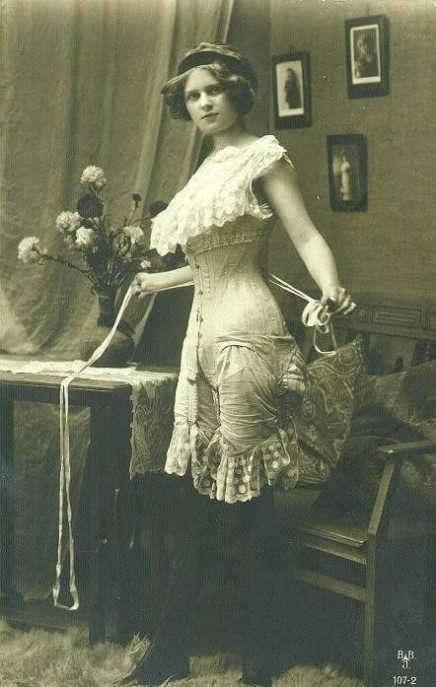 victorian sex life corset-w696-h687