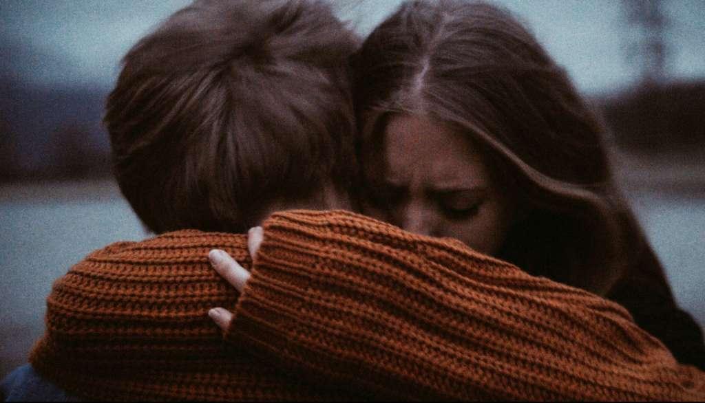 vida sexual miserable hug