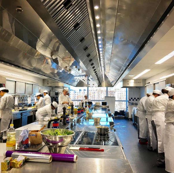 Escuela de cocina pasillo-h600