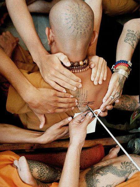 Festival del tatuaje en Tailandia mans-h600