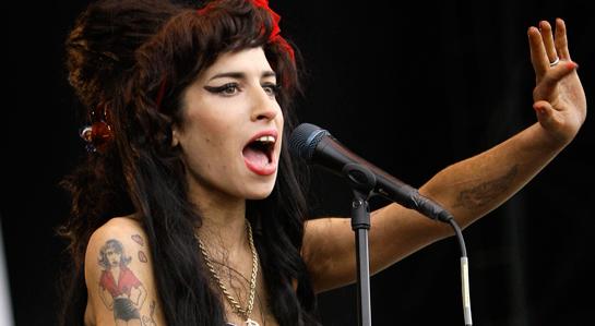 ¿Por qué el fantasma de Amy Winehouse sigue atormentando a su amante? 0