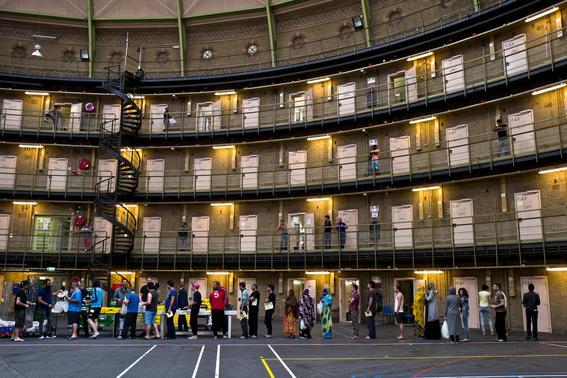 como es vivir en una prision alemana  fila