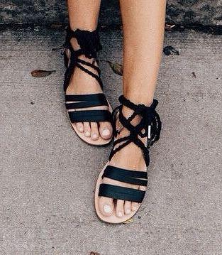 cuantos pares de zapatos necesito sandalias