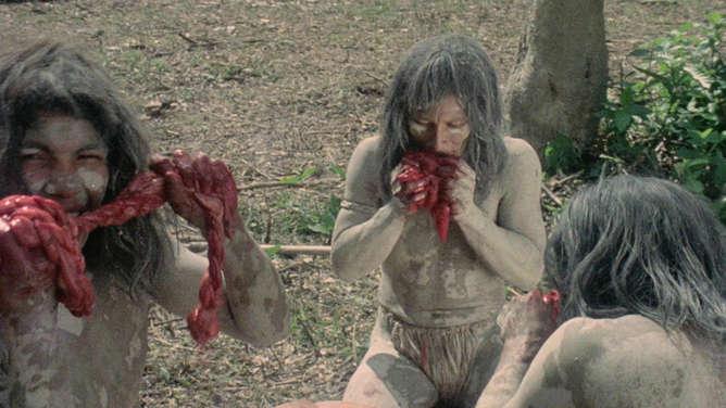 Alexandra delli colli zombie holocaust - 5 4