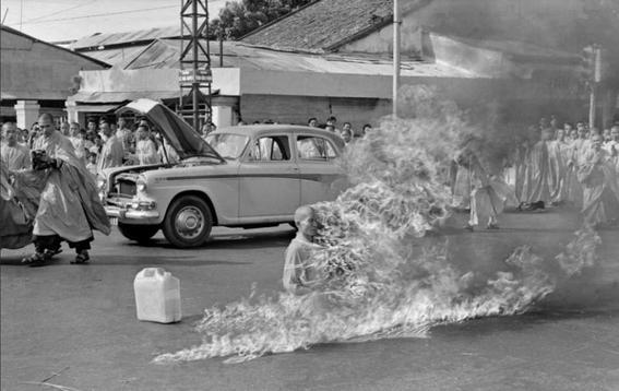 fotografias mas censuradas de la historia monje-h600