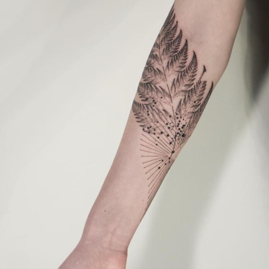 tatuajes abstractos. venado brazo