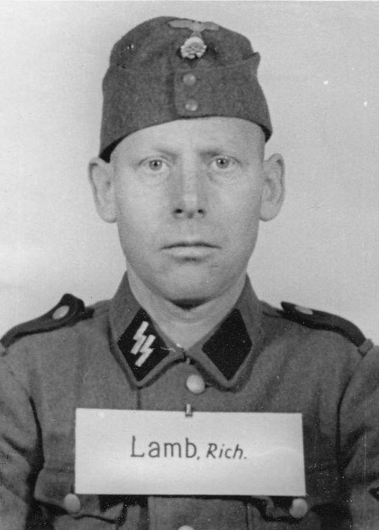 Los guardias de Auschwitz:  retratos de quienes protegieron la atrocidad 7