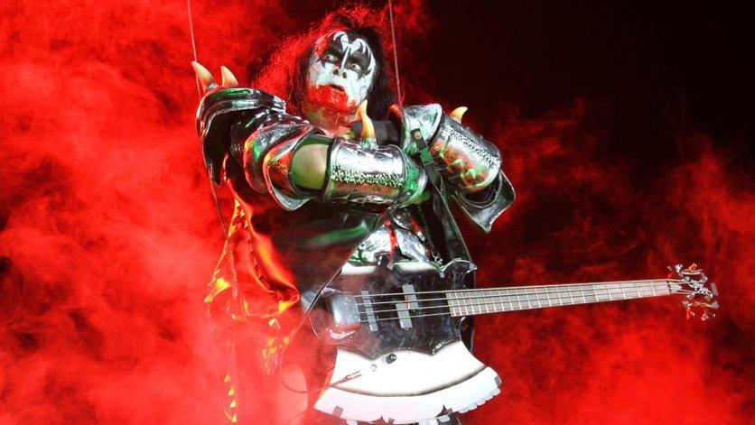 Gene Simmons:  el demonio con la lengua más grande y sucia del rock 5