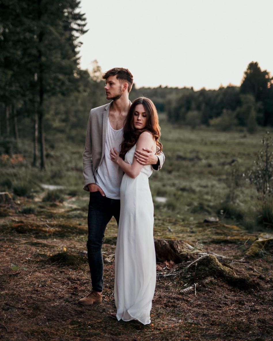 pareja bosque