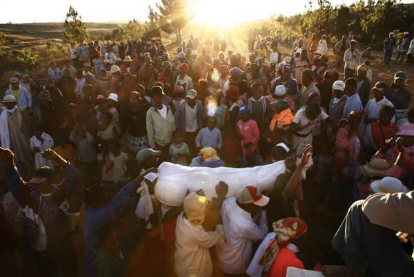 Famadidihana Madagascan dead celebration ritual