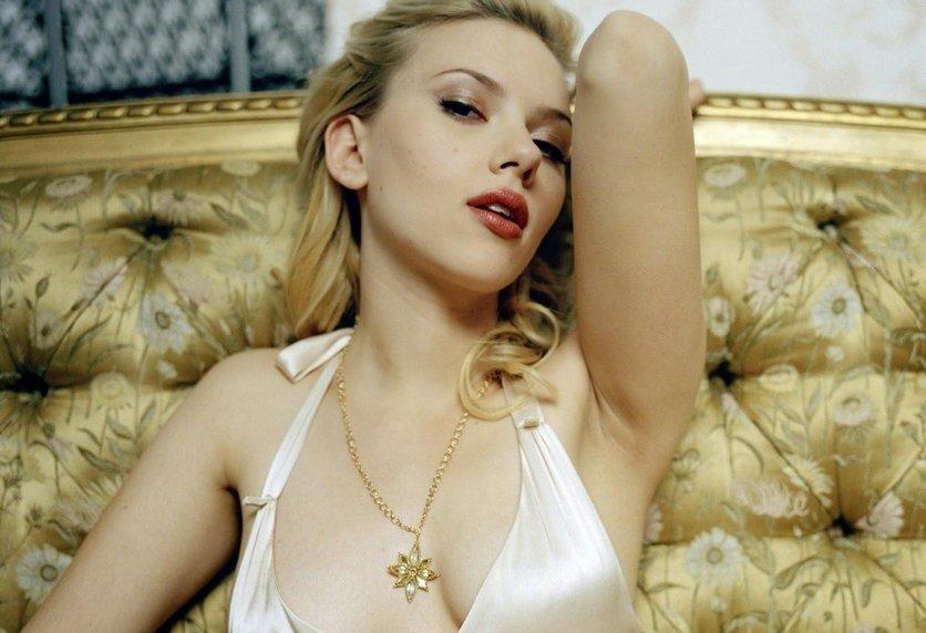 Momentos en los que Scarlett Johansson nos demostró que el estilo no depende de la ropa 6