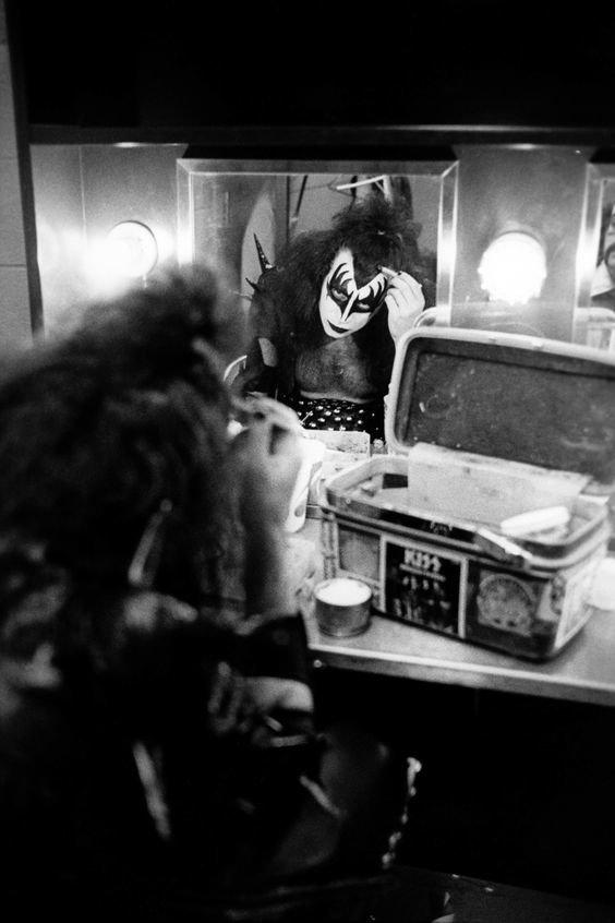 Gene Simmons:  el demonio con la lengua más grande y sucia del rock 0