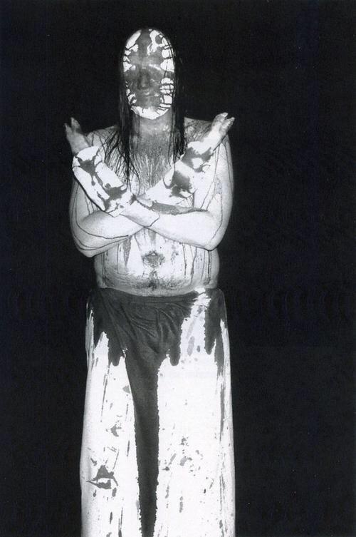 El músico que se cortó las manos para crear el disco más aterrador del metal 1