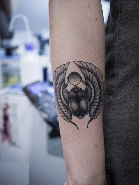 tatuajes de simbolos egipcios beetle