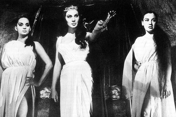 8 películas que demuestran que El Santo fue el mejor héroe del cine mexicano 3