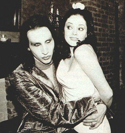 Reglas que debes seguir para arruinar tu relación según Marilyn Manson 2