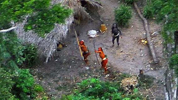 mineros asesinan a indigenas en amazonas 1