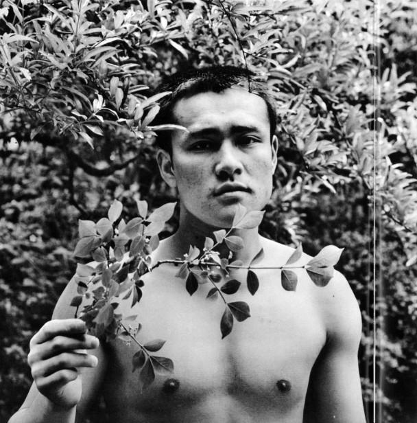 22 fotografías para admirar la desnudez y el erotismo de los hombres en Japón 12