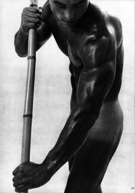 22 fotografías para admirar la desnudez y el erotismo de los hombres en Japón 5