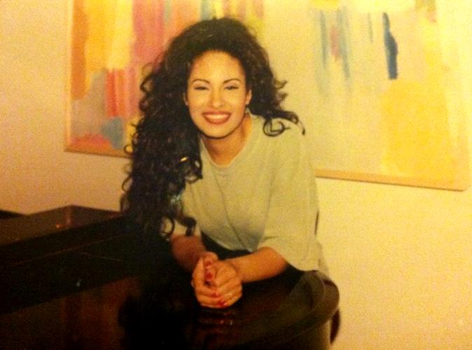 6 peinados inspirados en 6 momentos de Selena 3