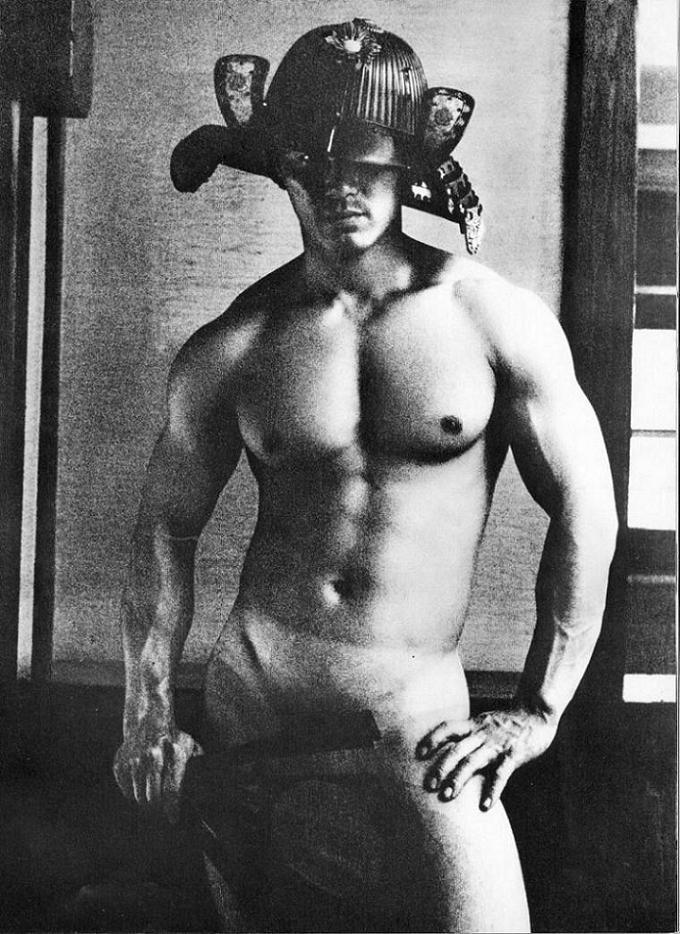 22 fotografías para admirar la desnudez y el erotismo de los hombres en Japón 7